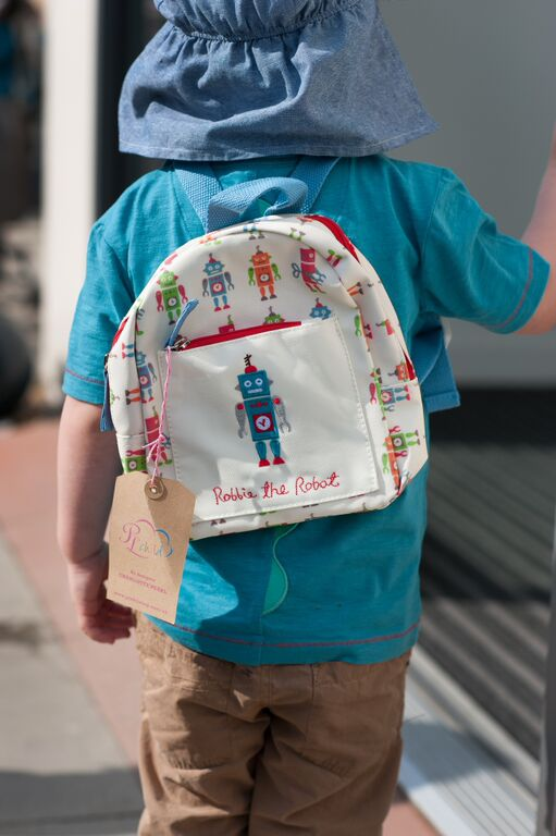 connor_backpack_pinklinings